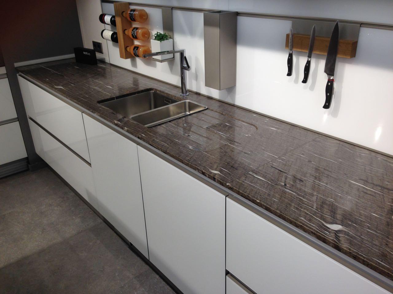 Marmor Kunze | Küchenarbeitsplatten aus Naturstein